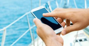 Surfing at sea: Cruisers want to be online