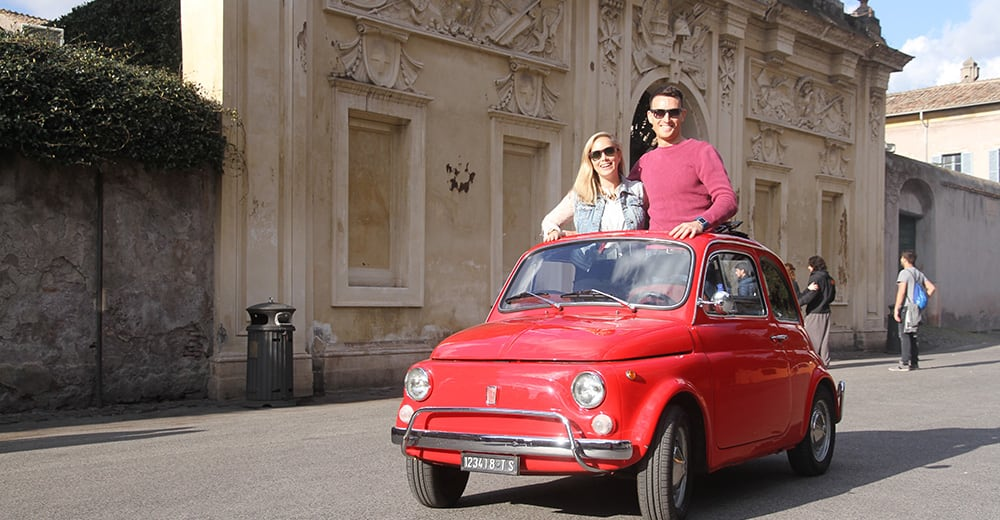 Discover Rome in an eye-catching vintage Fiat 500