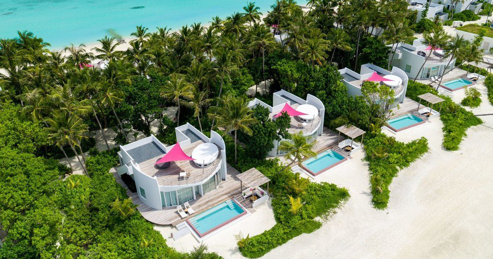 RESORT REVIEW: LUX* North Male Atoll, The Maldives