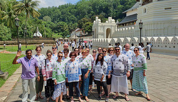 karryon-612x350_Group-shot-outside-the-Temple-of-the-Sacred-Tooth-Relic,-Kandy